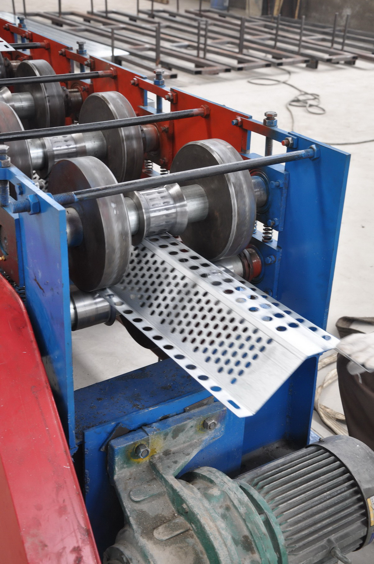 punching and punch forming for steel plate